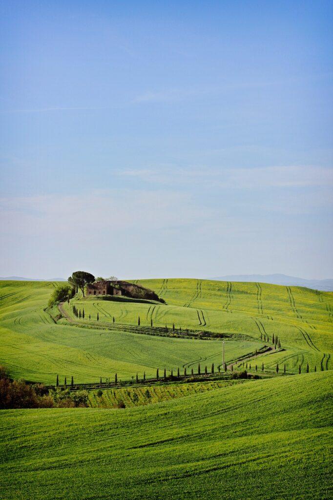 Tuscany Landscape Italy Nature  - AntonioBenedetti / Pixabay